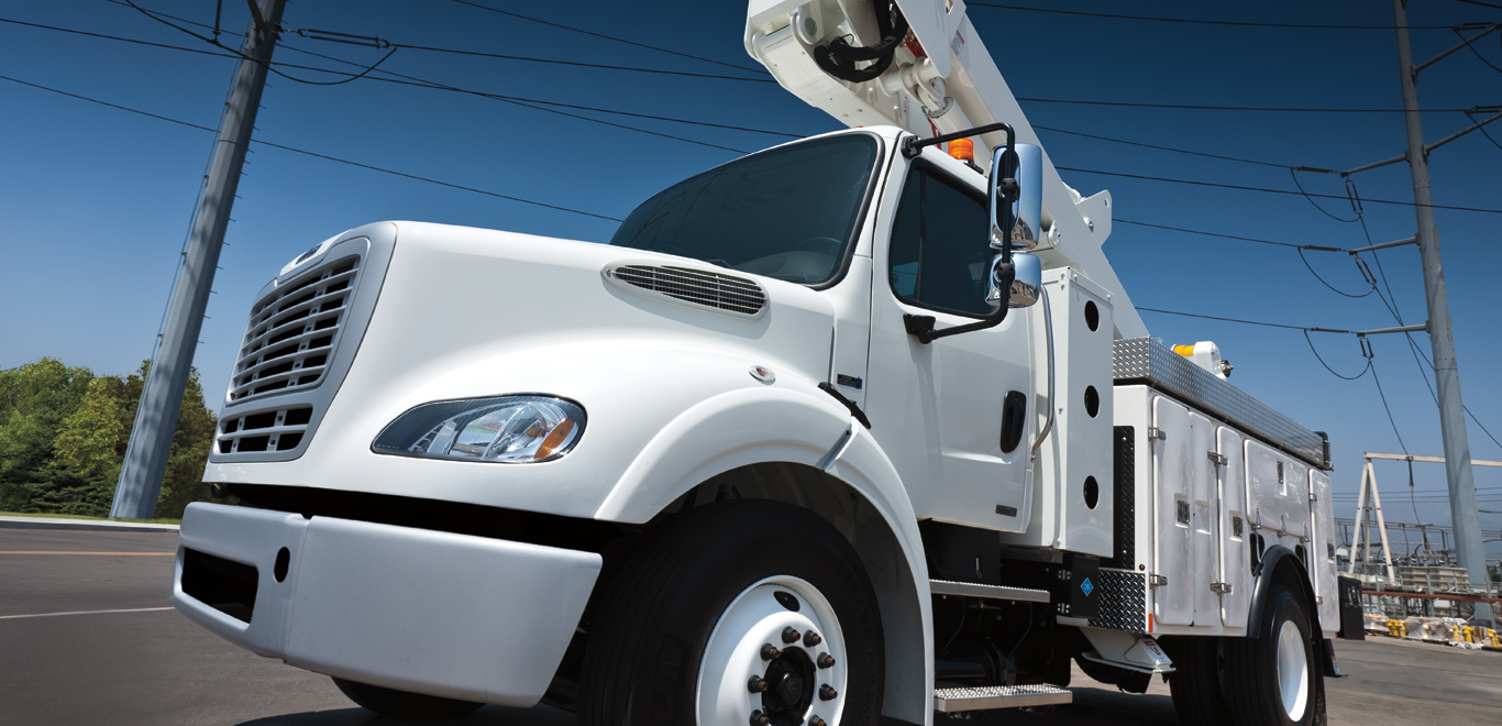 Freightliner Cherry Picker White