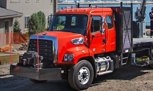 Freightliner 108SD Extended Cab Thumb