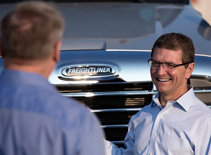 Freightliner Financing Overview Hero Image